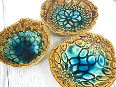Ceramic bowls set (of 3) with vintage lace pattern in brown and turquoise - Ceramics By Orly  - 3