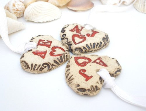 Customize initials heart favors for your special day