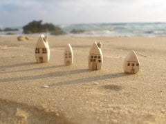 A set of tiny ceramic rustic beach cottage - miniature houses Home decoration Collection Little houses Miniature sculpture - Ceramics By Orly  - 3