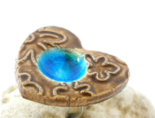 Turquoise and brown heart ring A stylish and OOAK ceramic jewelry
