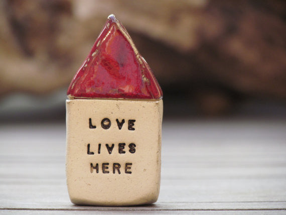 Love lives here Message houses Miniature houses Little rustic houses Red house Ceramic house Cottage Custom Note house Fall decoration