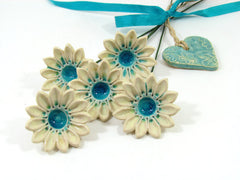 Ceramic flowers in a color of your choice (set of 5) - Ceramics By Orly  - 3