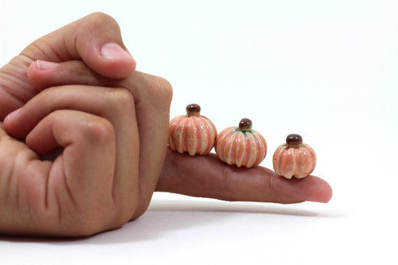 Miniature Ceramic pumpkin (set of 3) in a color of your choice Holiday decoration Ceramic miniatures