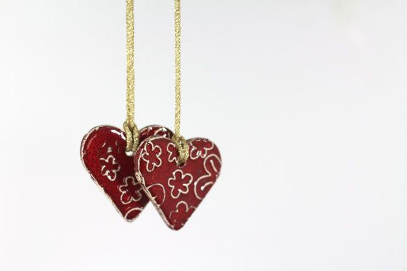 Ceramic red heart ornaments decoration (set of 2) Gift label Christmas tree decorations ideas