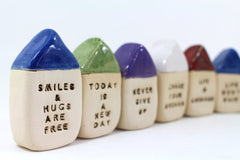 Miniature house Motivational quotes Inspirational quote Smiles & hugs are free - Ceramics By Orly  - 8