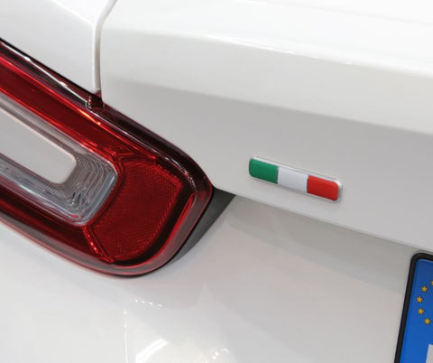 "Badge, ""Italian Flag"" - 124"