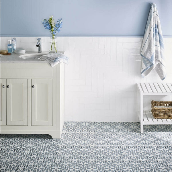 Nieves Blue Tile with Traditional Vanity Unit