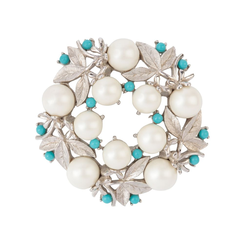 1960s Vintage Sarah Coventry Faux Pearl Brooch