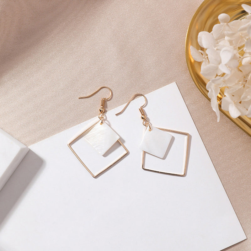(Pre-Order) Geometric Shell Drop Earrings 1
