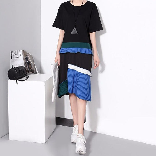(Pre-Order) Pleated Colourblock Loose Fit Midi Dress in Black