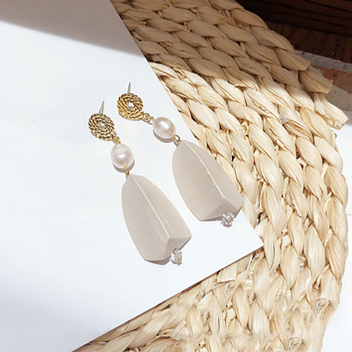 (Pre-Order) Beige Asymmetrical Earrings 20