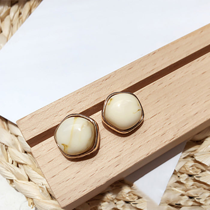(Pre-Order) Beige Asymmetrical Earrings 8