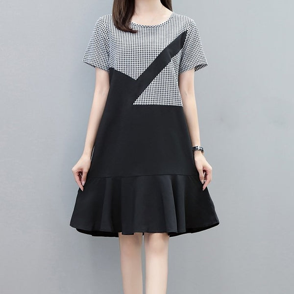(Pre-Order) Checkered Sleeve Ruffles Loose Fit Dress in Black
