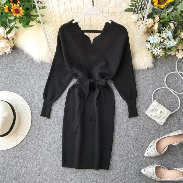 (Pre Order) Wavy V-Neck Long Sleeve Bodycon Dress in Black