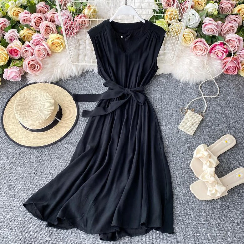 (Pre-Order) Sleeveless Round Neck Cut-Out Maxi Dress in Black
