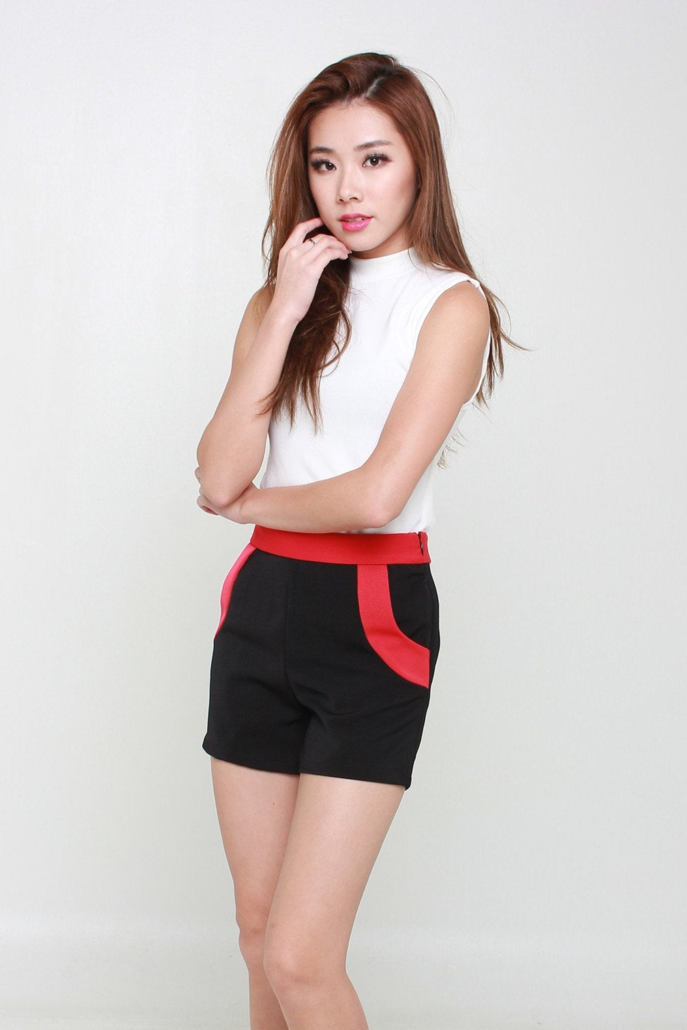 Contrast Shorts In Black & Red