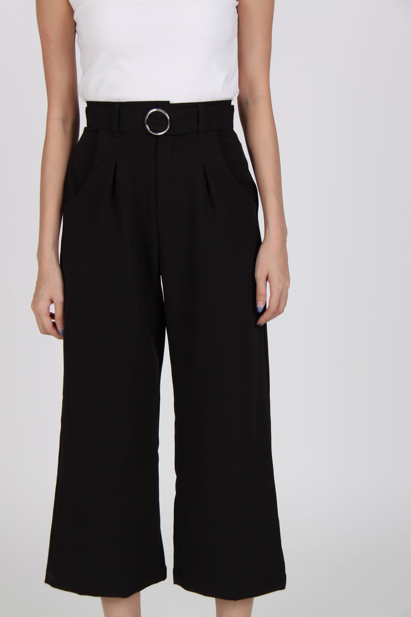 Pleats Straight Cut Culottes in Black