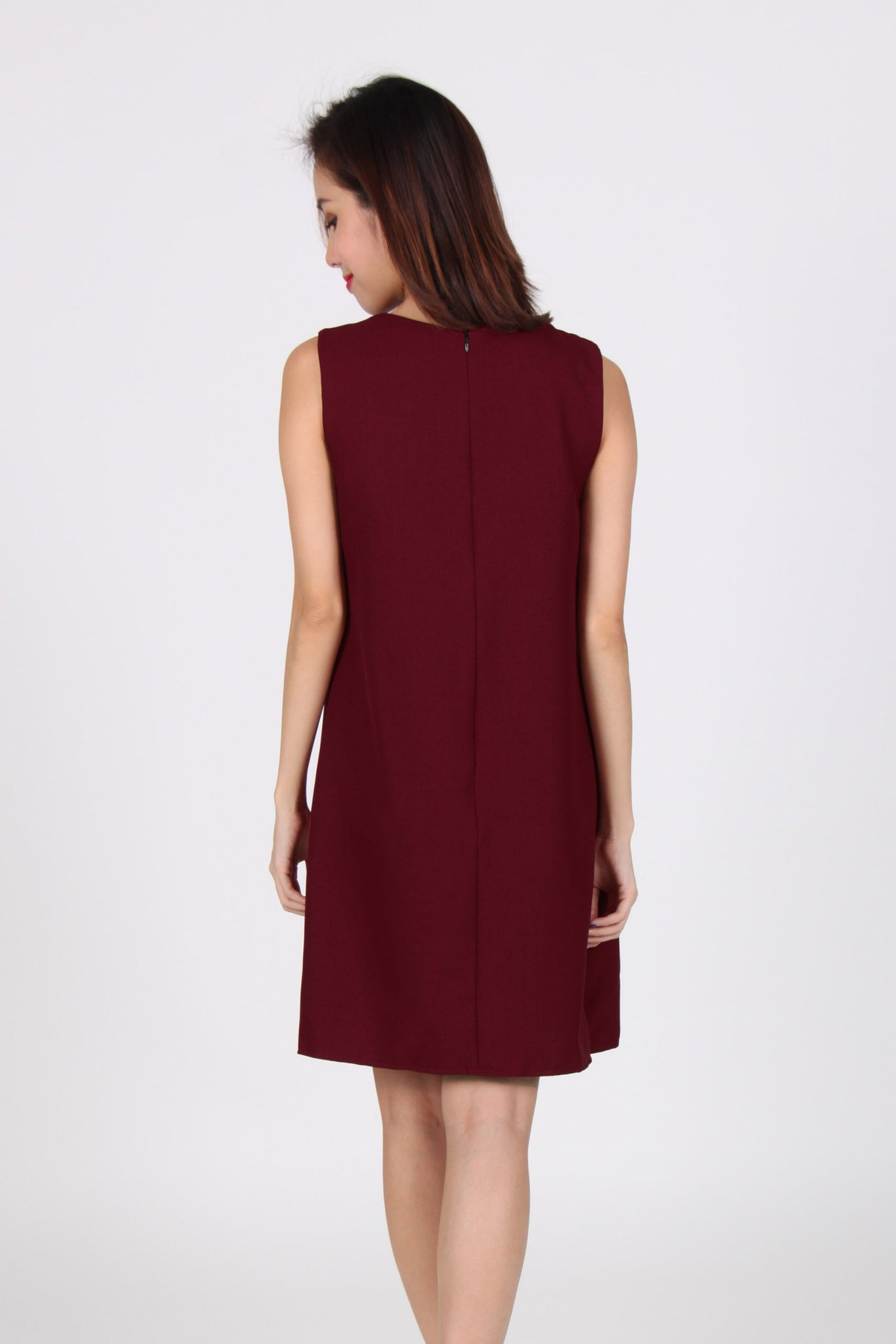 Side Slit Contrast Layered Shift Dress in Maroon