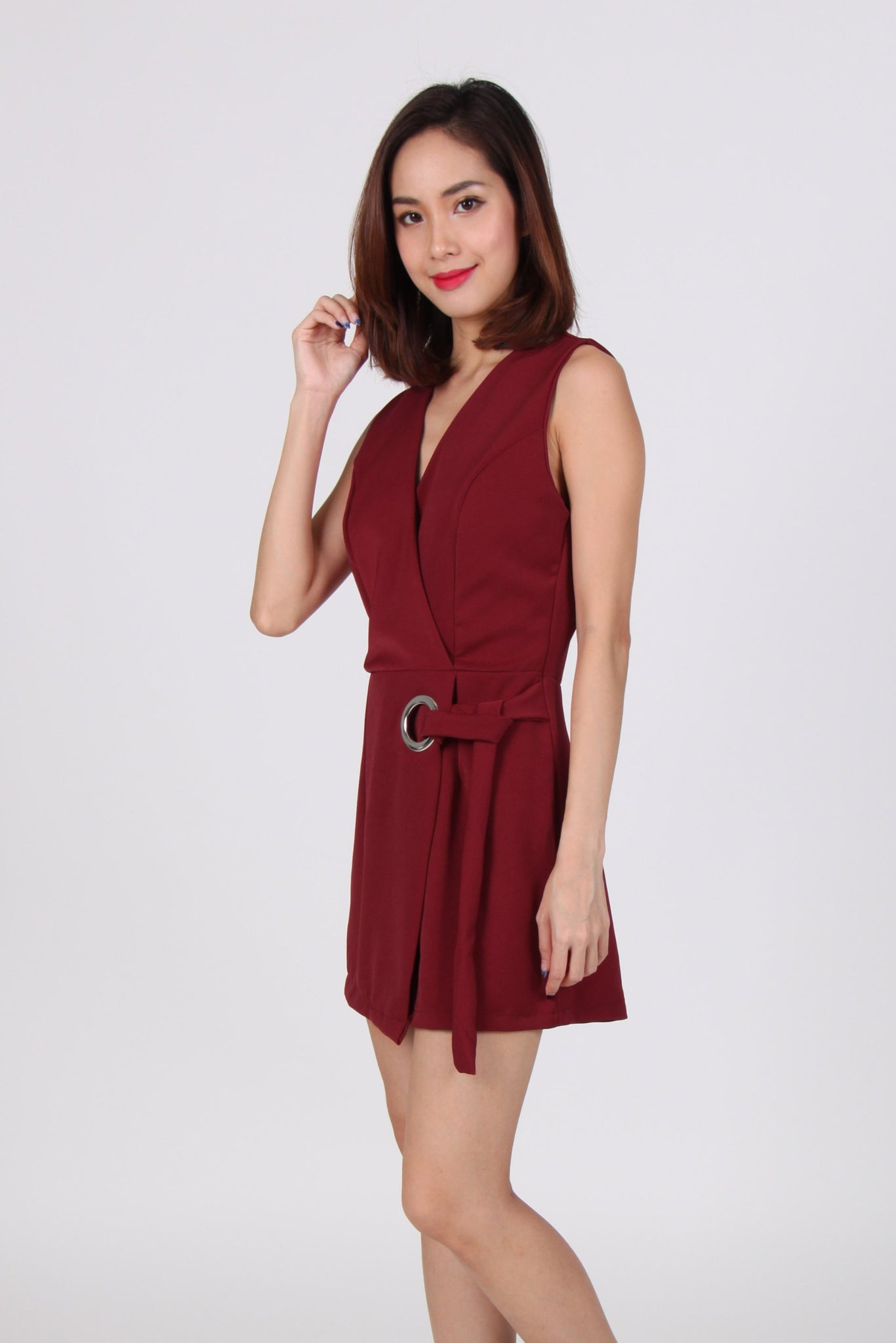 O Ring Overlap V Neck Sleeveless Romper in Maroon