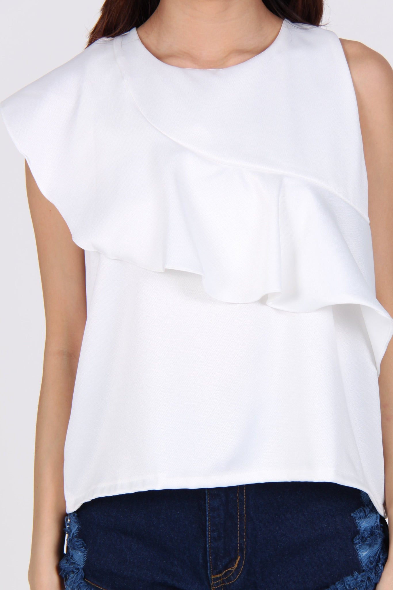 Diagonal Ruffles Sleeveless Top in White