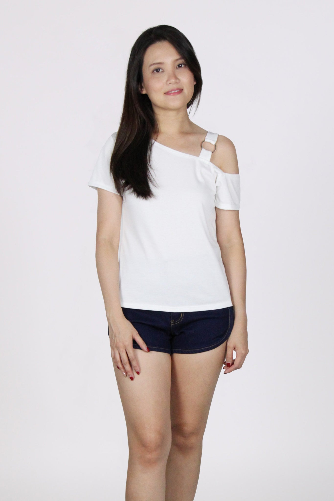 Diagonal Single Ring Cold Shoulder Top in White