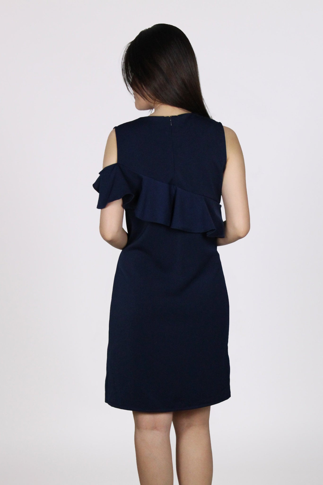 Single Cold Shoulder Ruffles Shift Dress in Navy Blue