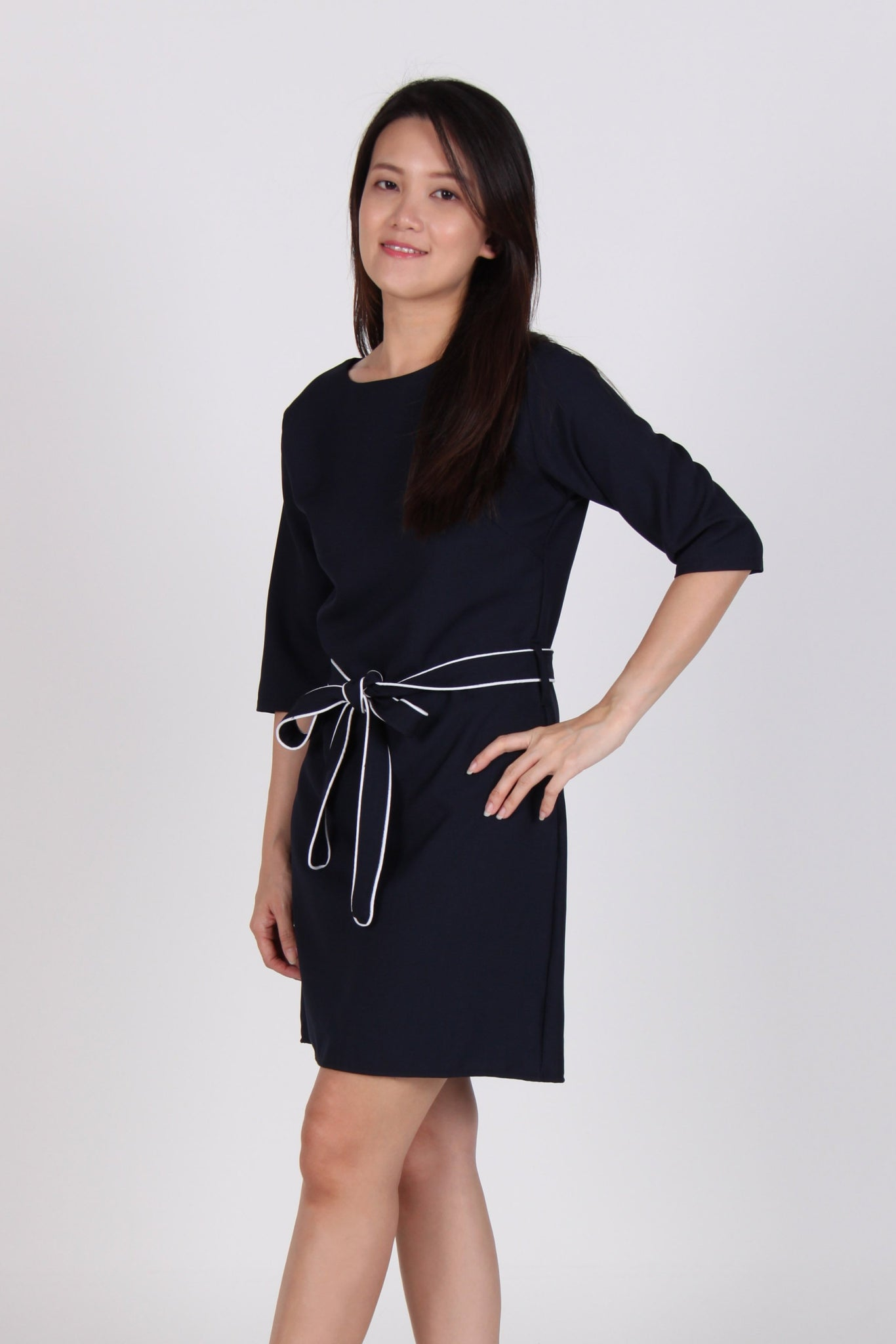 Quarter Sleeve Contrast Front Tie Dress in Navy Blue