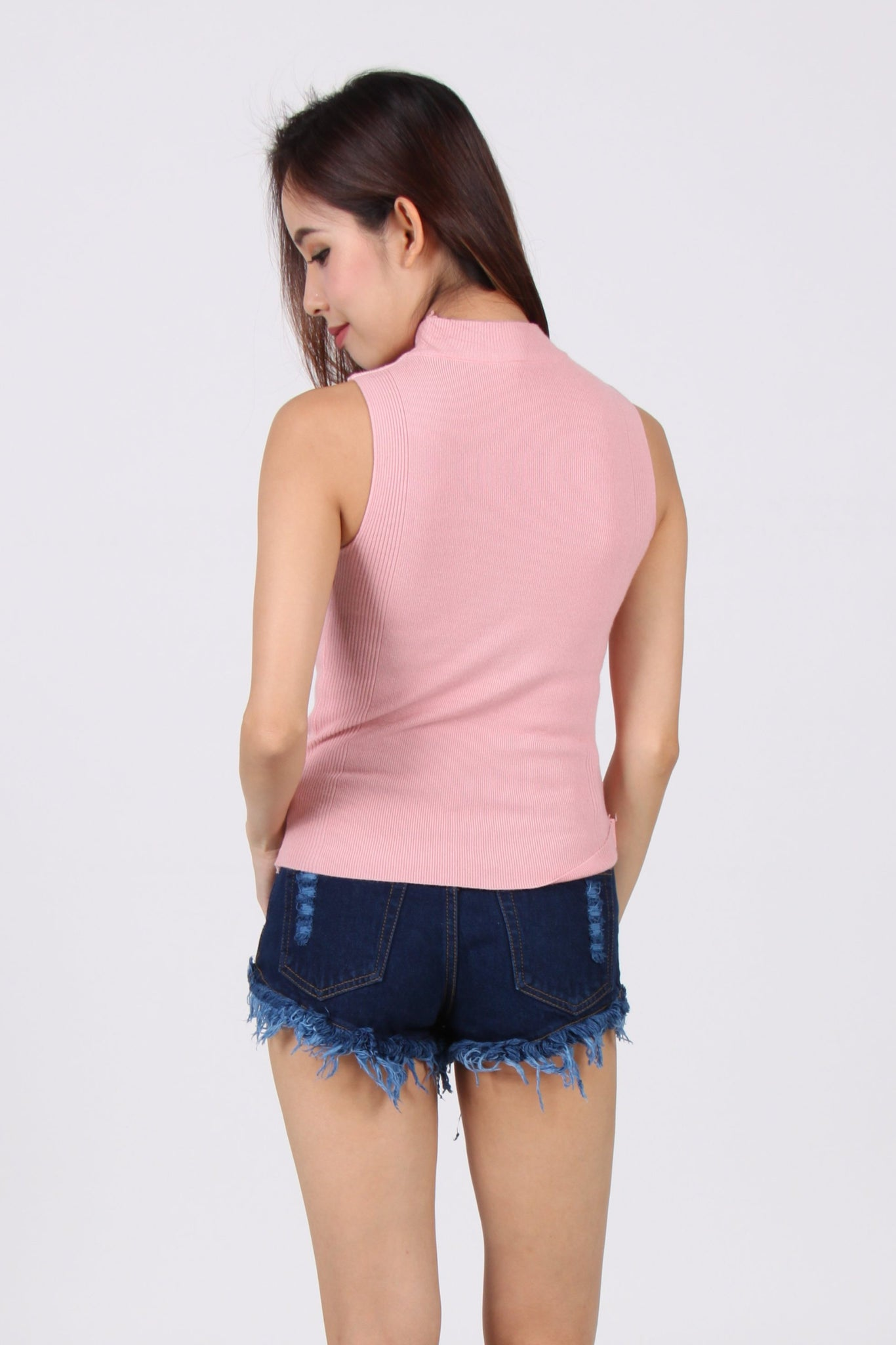 Knit High Neck V Sleeveless Top in Pink