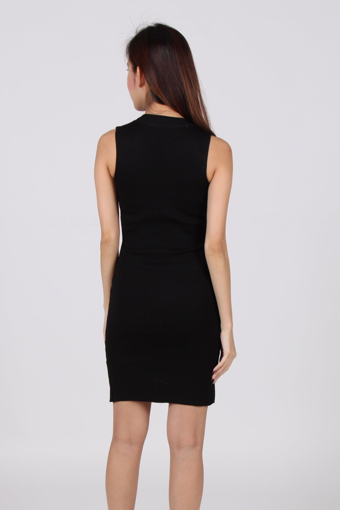 Sleeveless Cut-Out Hem Bodycon Dress in Black