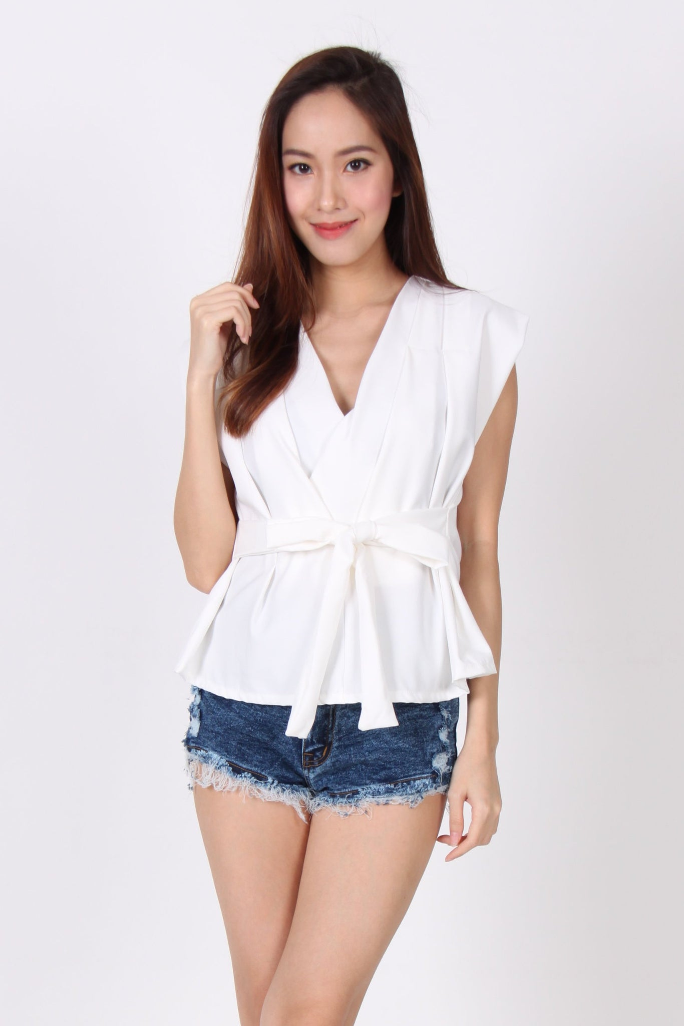 Front Tie V Neck Pleats Top In White
