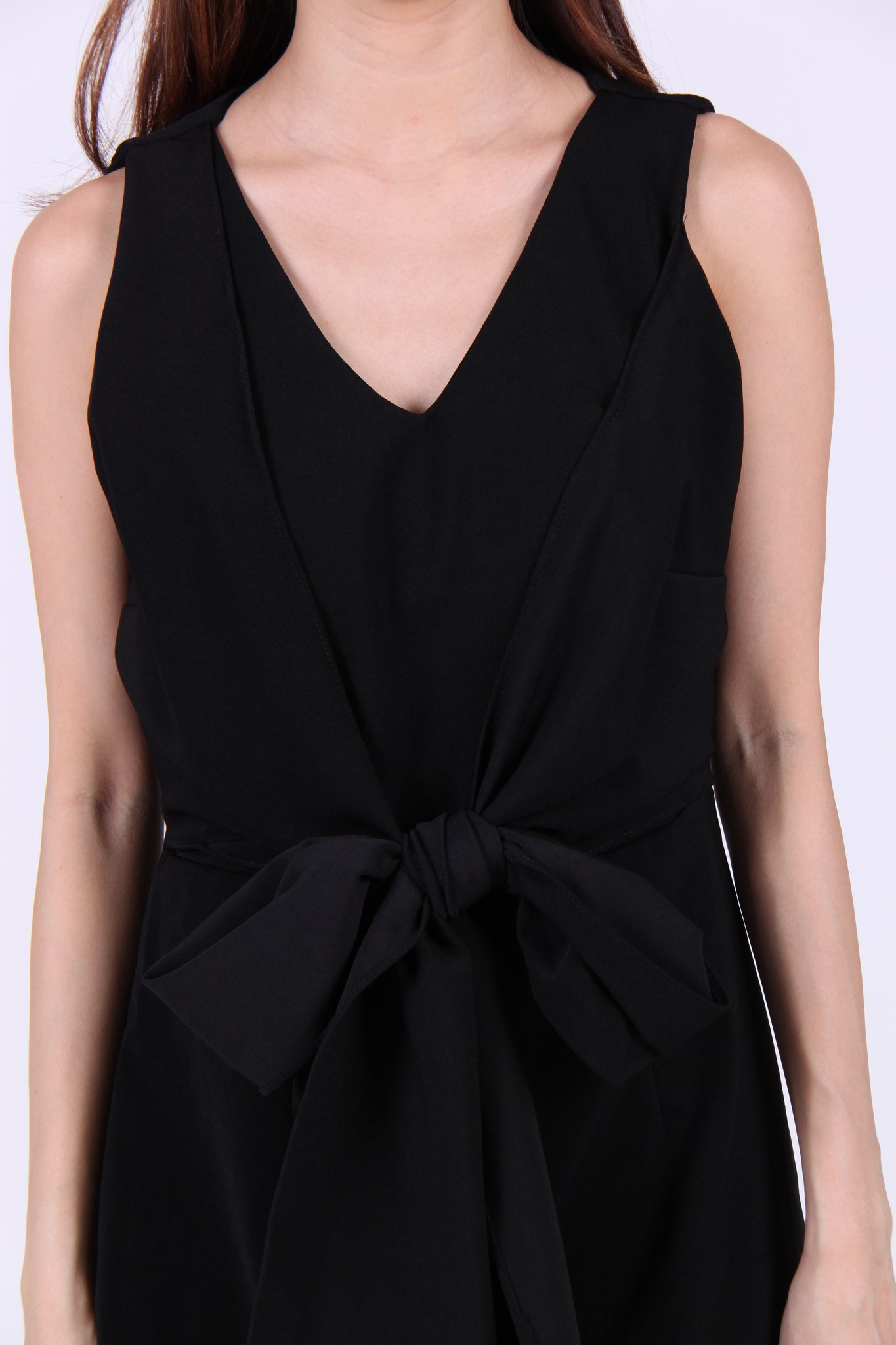 V Neck Front Ribbon Sleeveless Romper in Black