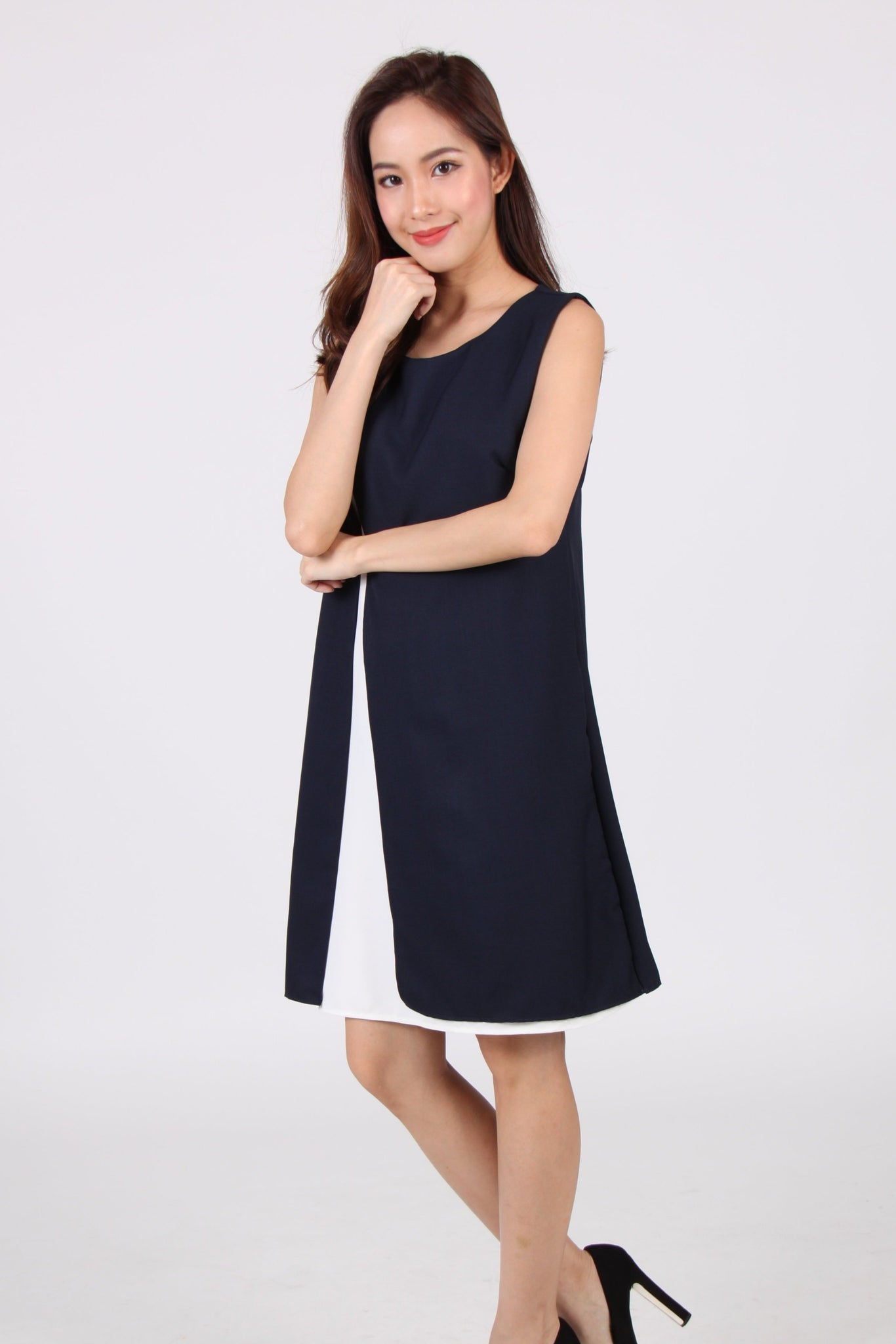 Side Slit Contrast Layered Shift Dress in Navy Blue