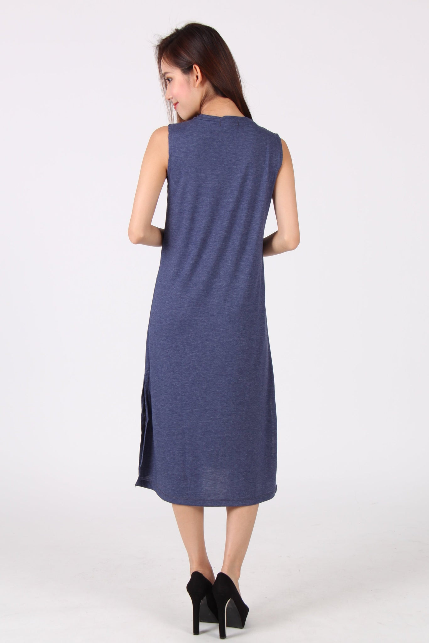 Basic Sleeveless Side Slit Midi Dress in Navy Blue