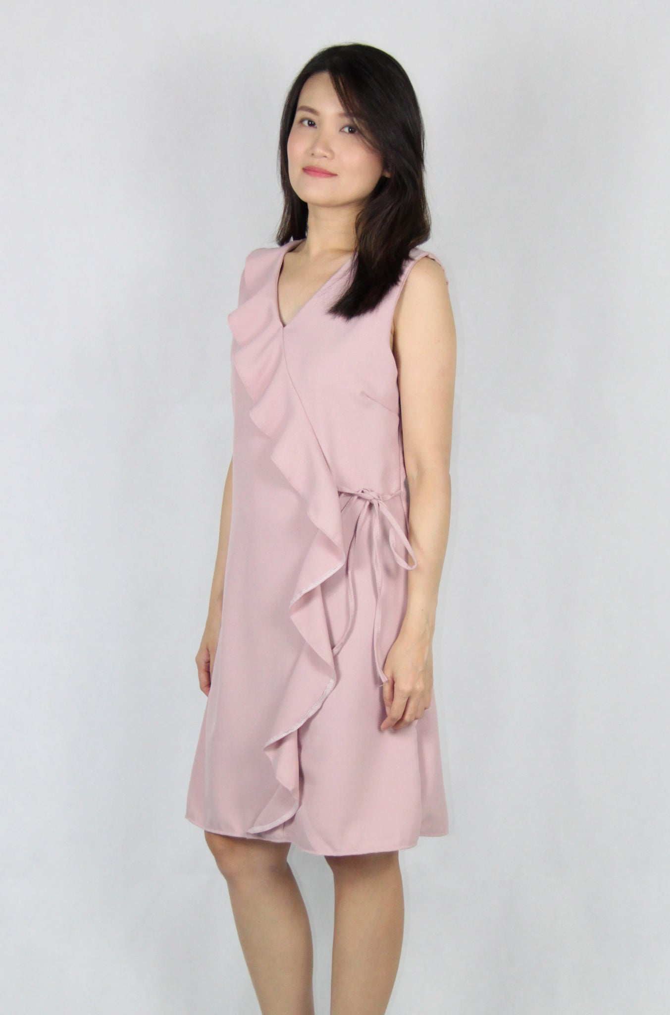 Sleeveless Ruffles V Neck Shift Dress in Pink