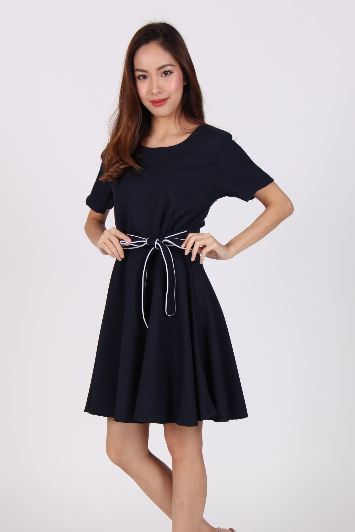 Sleeve Contrast Belt Skater Dress in Navy Blue