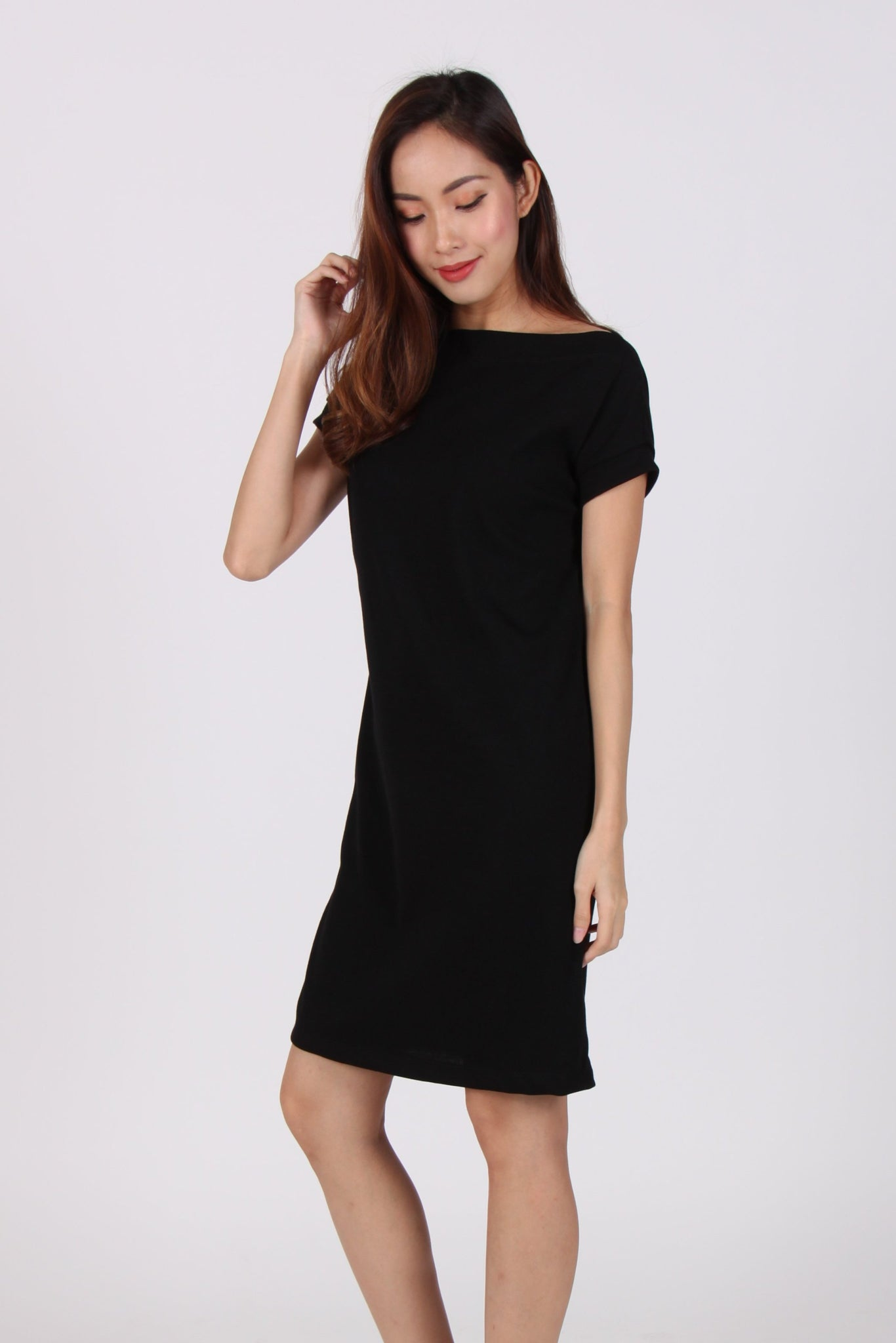 Basic Comfy Boat Neck Tee Dress in Black