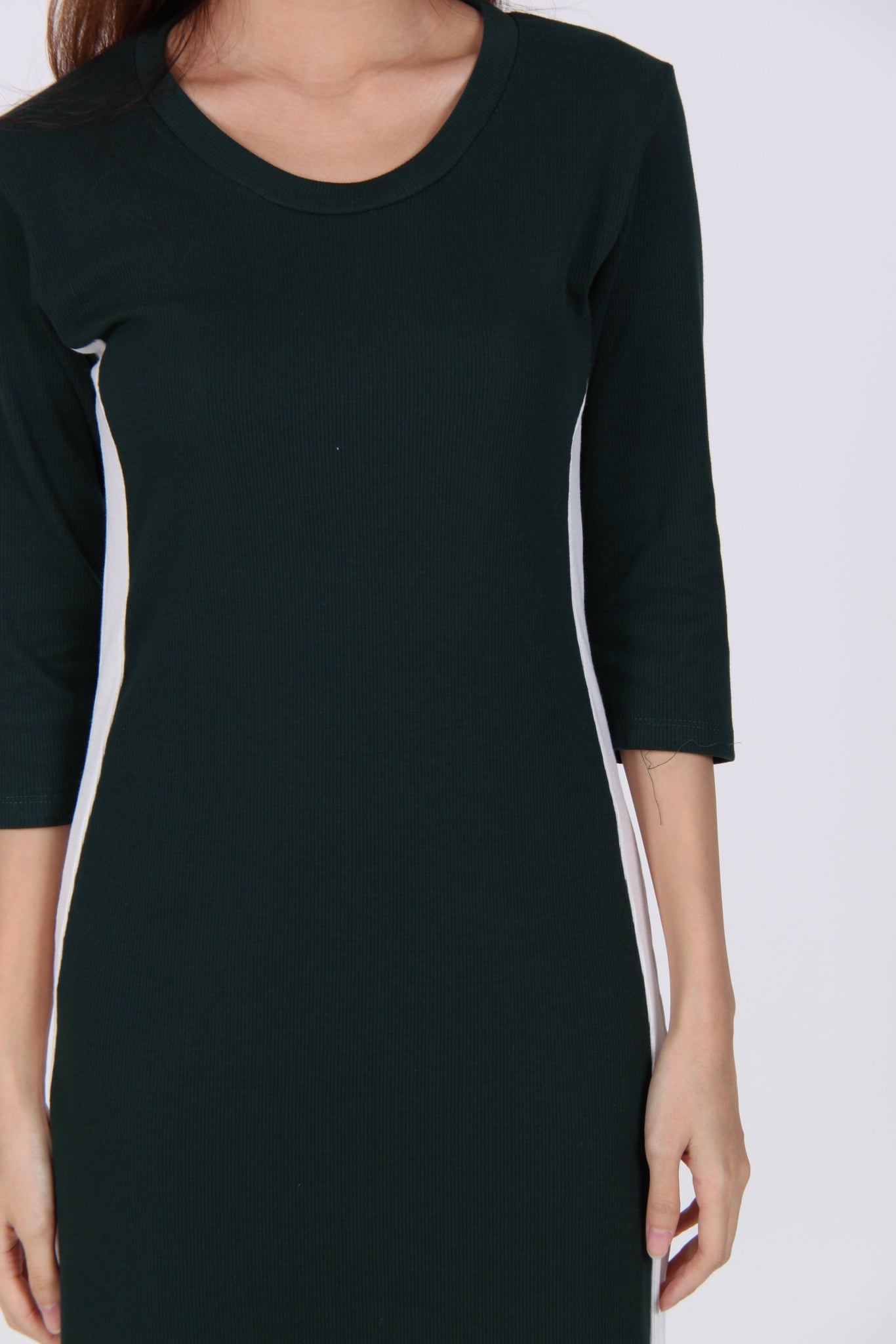 Contrast Quarter Sleeve Side Slit Midi Dress in Dark Green