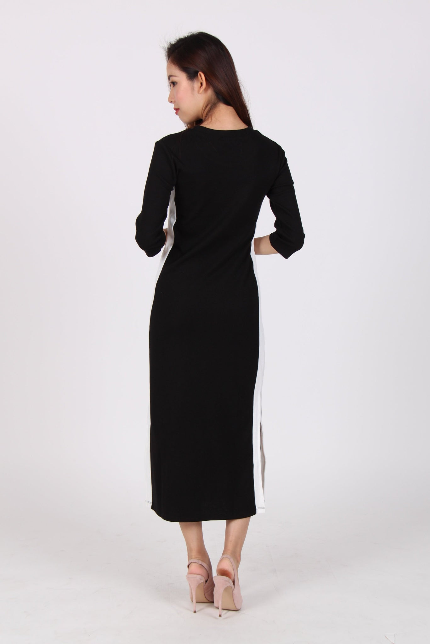 Contrast Quarter Sleeve Side Slit Midi Dress in Black