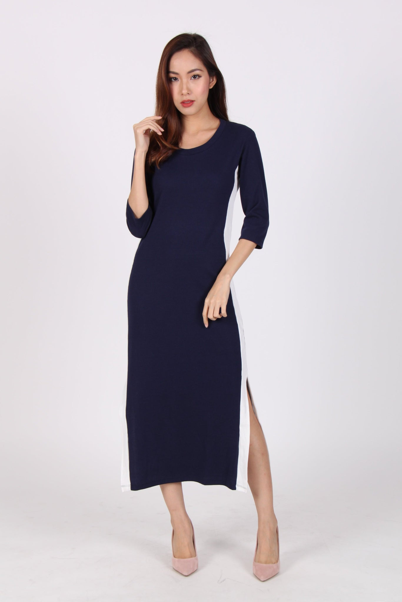 Contrast Quarter Sleeve Side Slit Midi Dress in Navy Blue