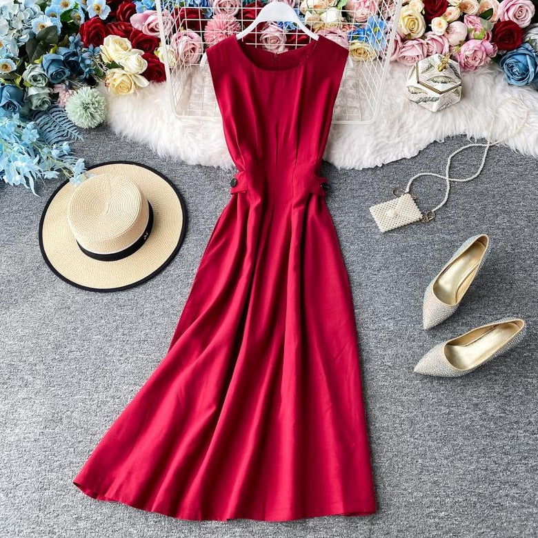 (Pre-Order) Round Neck Sleeveless Pleat Maxi Dress in Red