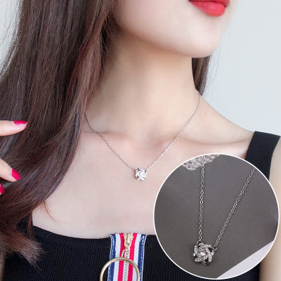 (Pre-Order) Korean Minimalist Crystal Heartbeat Bar Four Leaves Flower Necklace