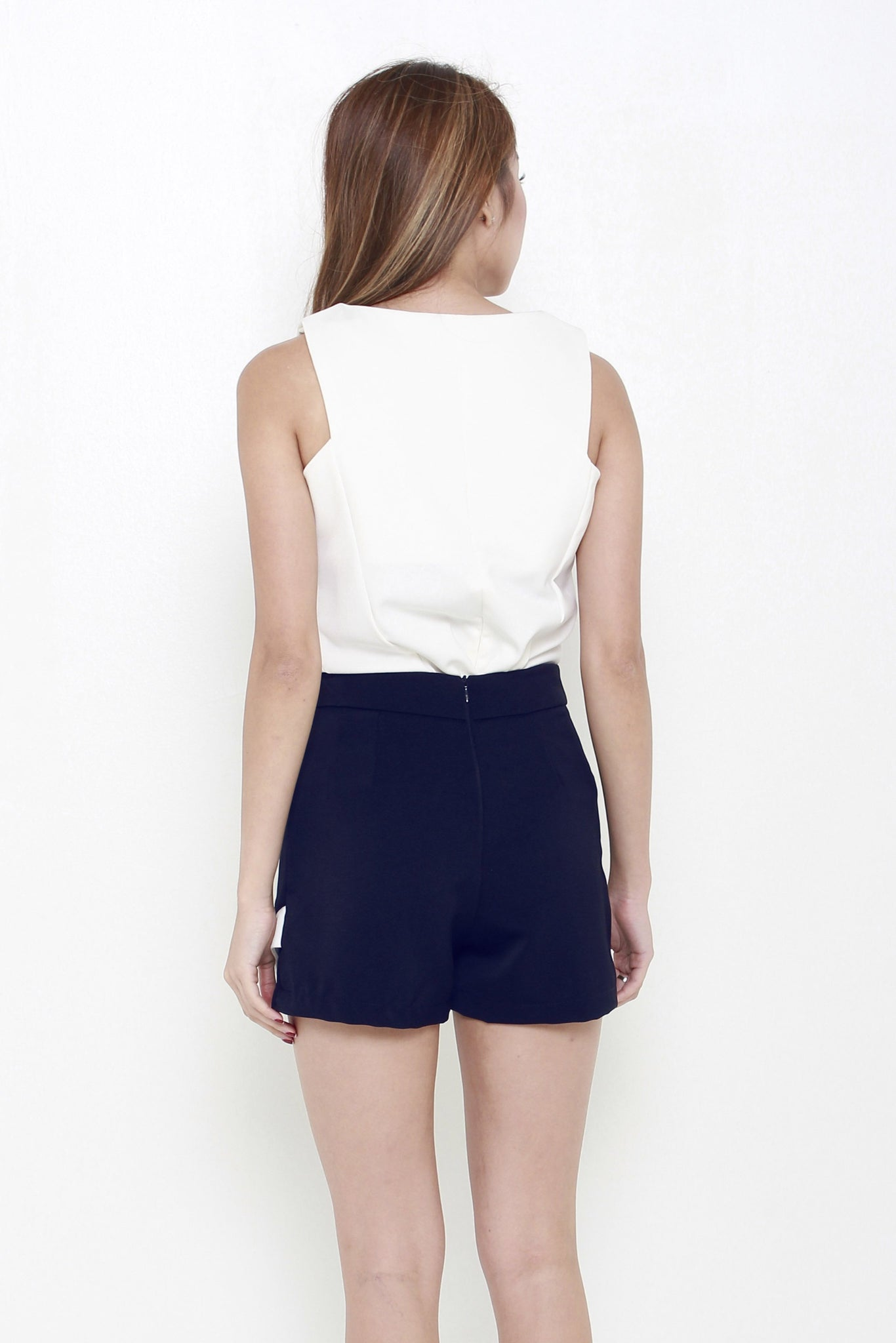 Pointed Contrast Skorts In Navy Blue