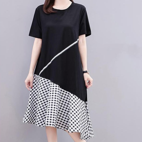 (Pre-Order) Checkered Asymmetrical Sleeve Loose Fit Patch Dress in Black-White
