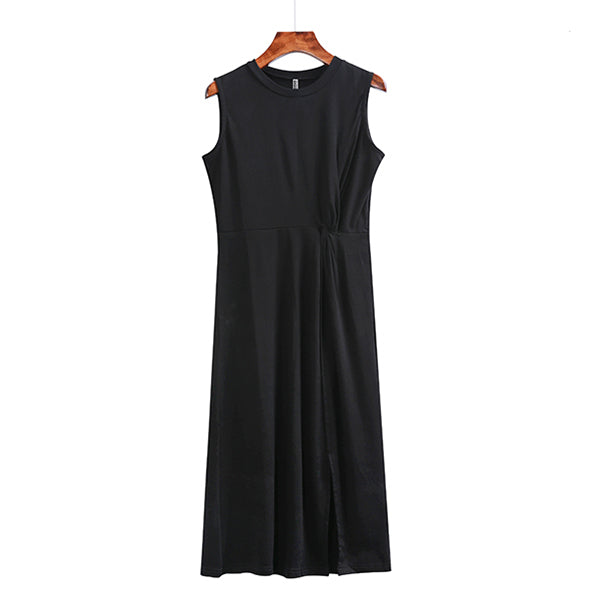 (Pre-Order) Sleeveless Front Slit Side Pleats Midi Dress in Black