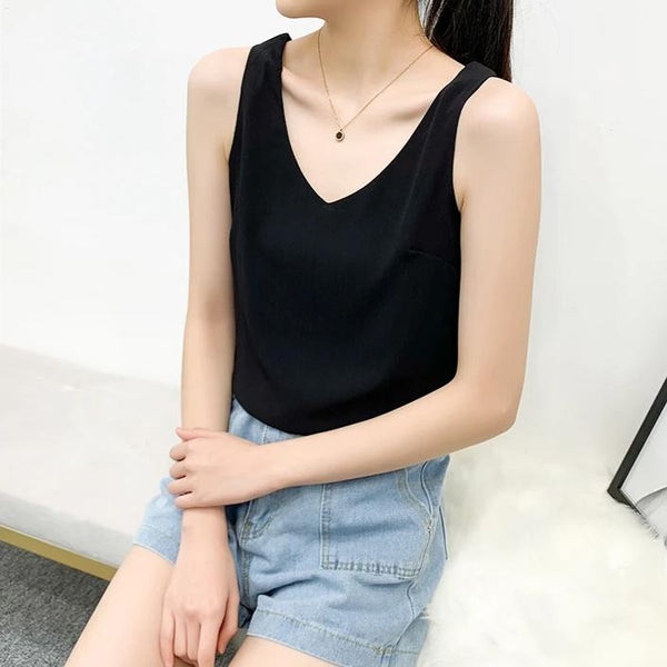 (Pre-Order) Basic V Neck Sleeveless Top in Black