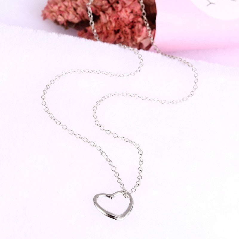 (Pre-Order) Simple Love Heart Necklace in Silver