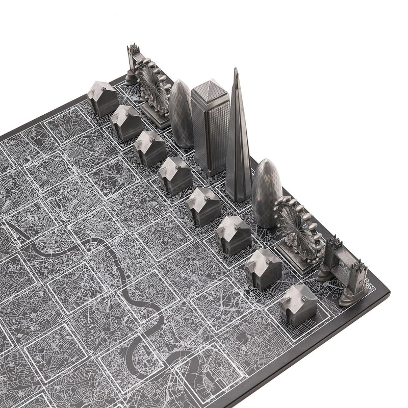 London Skyline Premium Metal Resin Chess Set - Tower Bridge Edition 3