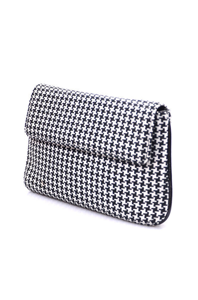 conDiva Black and White Woolen Clutch