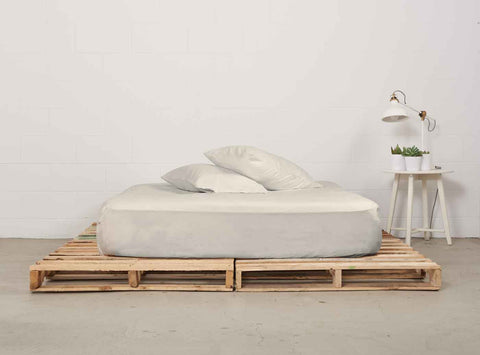 efitted sheet | natural | pallet bed | bedface
