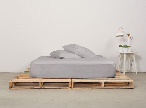 efitted sheet | feather grey | pallet bed | bedface